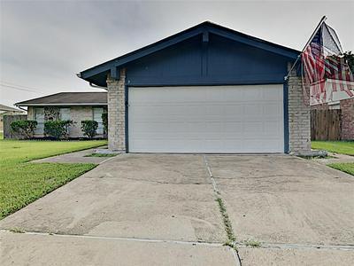 9903 OLD TOWNE LN, Sugar Land, TX 77498 - Photo 1