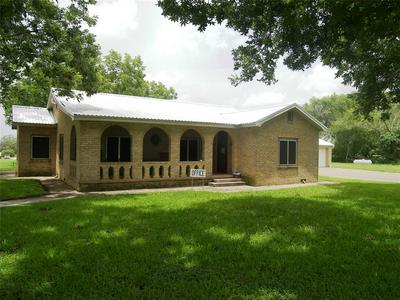 1641 N TEXANA ST, Hallettsville, TX 77964 - Photo 1