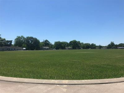 107 LEGENDS WAY, El Campo, TX 77437 - Photo 1