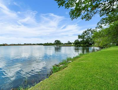 10905 WINDSWEPT WAY, Willis, TX 77318 - Photo 2