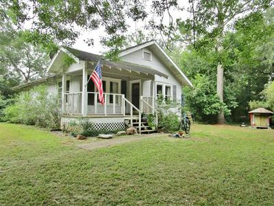 8303 COUNTY ROAD 171, Liverpool, TX 77577 - Photo 2