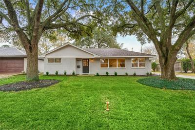 4851 MCDERMED DR, Houston, TX 77035 - Photo 1