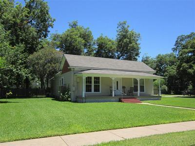 417 E ALABAMA ST, Wharton, TX 77488 - Photo 2