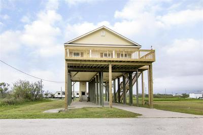 1060 N FAGGARD'S LN, GILCHRIST, TX 77617 - Photo 1