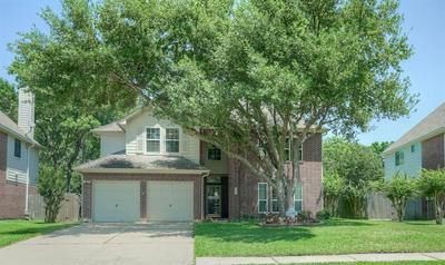 426 N HAMPTON CT, Highlands, TX 77562 - Photo 2