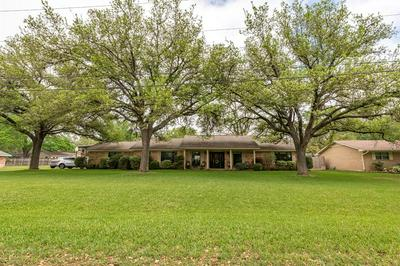 230 TAIT ST, Columbus, TX 78934 - Photo 2