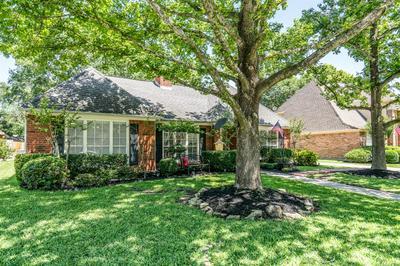 16119 RIDGE PARK DR, Houston, TX 77095 - Photo 2