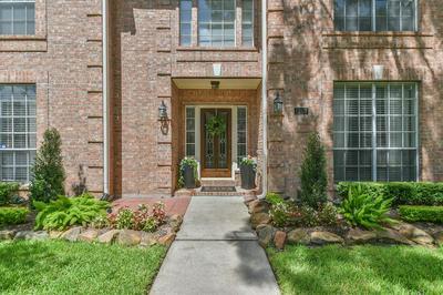 1307 WICKSHIRE LN, Houston, TX 77043 - Photo 2
