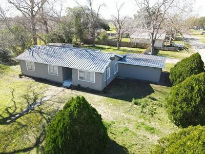 120 MATCHETT DR, Victoria, TX 77905 - Photo 2