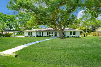 202 CUTBIRTH RD, Wharton, TX 77488 - Photo 2