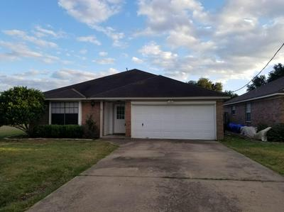 363 HILL ST, Sealy, TX 77474 - Photo 1