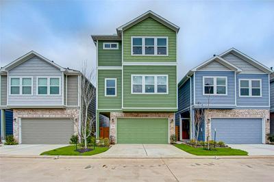 5435 CAMAGUEY ST, HOUSTON, TX 77023 - Photo 1