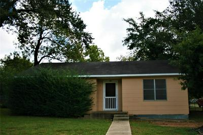 407 N MEYER ST, Sealy, TX 77474 - Photo 1