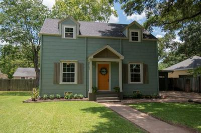 809 PECAN ST, Wharton, TX 77488 - Photo 1