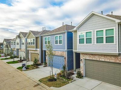 5443 CAMAGUEY ST, HOUSTON, TX 77023 - Photo 2