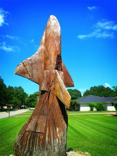 113 E SHERWOOD DR, Alvin, TX 77511 - Photo 2