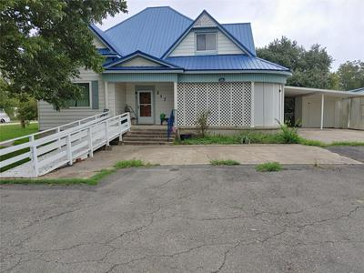 217 N 5TH ST, Lott, TX 76656 - Photo 1