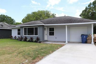 719 W 9TH ST, Freeport, TX 77541 - Photo 2
