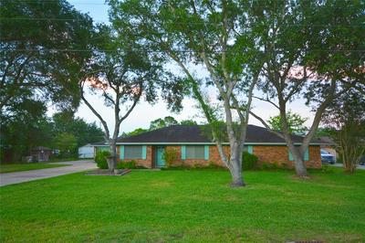 2675 ROWAN BURTON RD, Alvin, TX 77511 - Photo 1