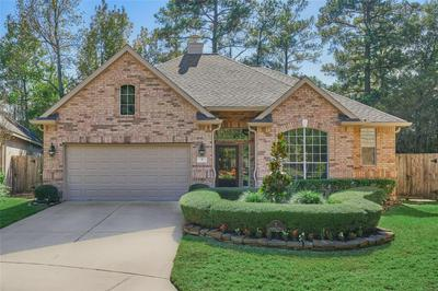 7 CHESHIRE GLEN CT, The Woodlands, TX 77382 - Photo 1