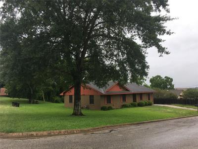 1001 HARRINGTON ST, Brenham, TX 77833 - Photo 1