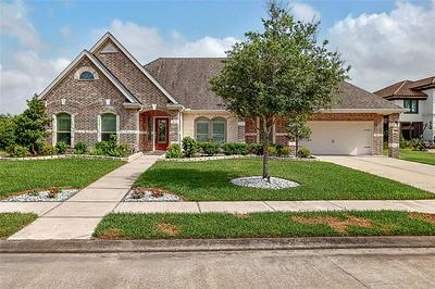429 OLD ORCHARD DR, Dickinson, TX 77539 - Photo 1