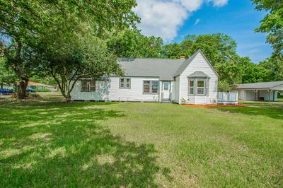 305 S WALKER ST, Angleton, TX 77515 - Photo 2