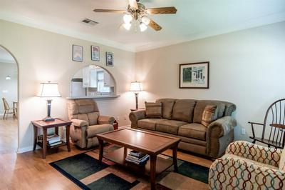 148 HIDDEN VALLEY CIR, Huntsville, TX 77340 - Photo 2