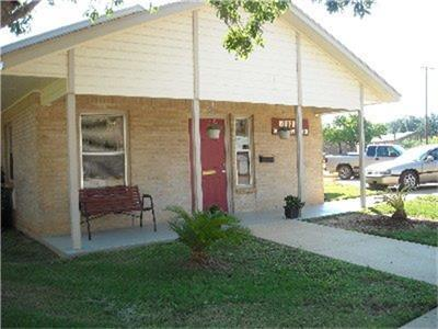404 MEDINA, Cotulla, TX 78014 - Photo 2