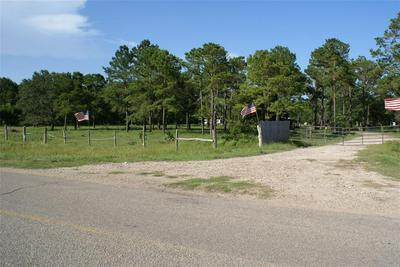 1611 COUNTY ROAD 192, Liverpool, TX 77577 - Photo 1