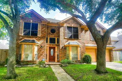14210 SWALLOWFIELD DR, Houston, TX 77077 - Photo 2