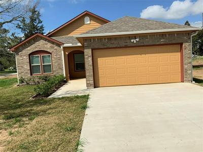 1541 3RD ST, HEMPSTEAD, TX 77445 - Photo 1