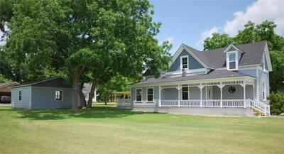 306 S MAIN ST, Moulton, TX 77975 - Photo 2
