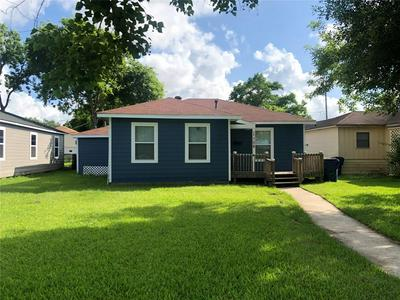 1106 W 7TH ST, Freeport, TX 77541 - Photo 1