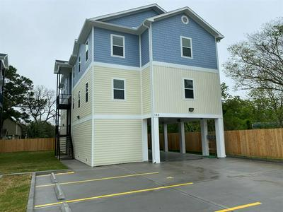 144 W 5TH ST, KEMAH, TX 77565 - Photo 1