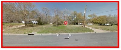 901 OLD COLONY RD, HUNTSVILLE, TX 77320 - Photo 1