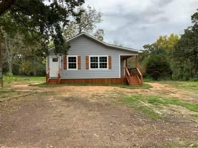 420 YOUNG ST, Livingston, TX 77351 - Photo 2