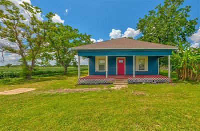 402 STAVENA RD, Wharton, TX 77488 - Photo 2