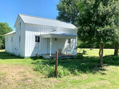 304 S SCOTT ST, Fayetteville, TX 78940 - Photo 2