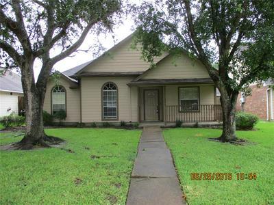 213 SLOSSEN ST, Webster, TX 77598 - Photo 1
