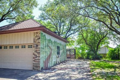 113 SANDERS ST, Palacios, TX 77465 - Photo 2