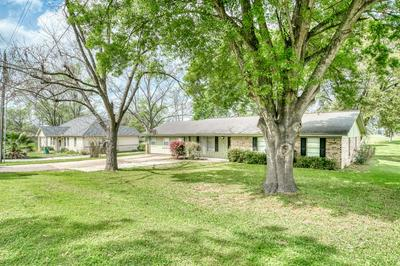 304 HEATH AVE, Madisonville, TX 77864 - Photo 2