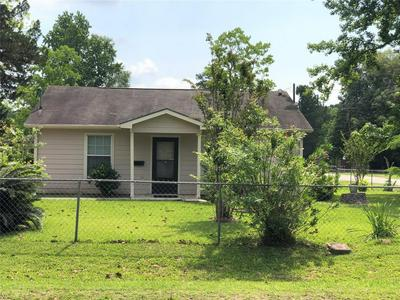 129 S FENNER AVE, Cleveland, TX 77327 - Photo 1