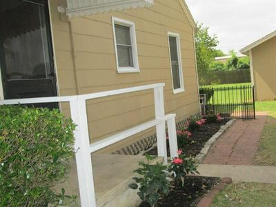 3825 HAYS AVE, Groves, TX 77619 - Photo 2