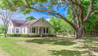1687 COUNTY ROAD 99, ALVIN, TX 77511 - Photo 1