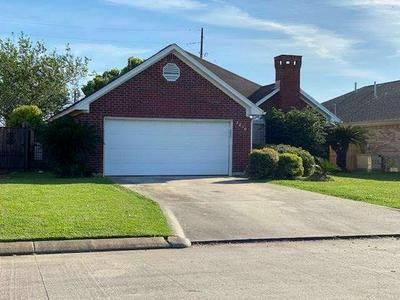 2210 GILBERT ST, Groves, TX 77619 - Photo 2