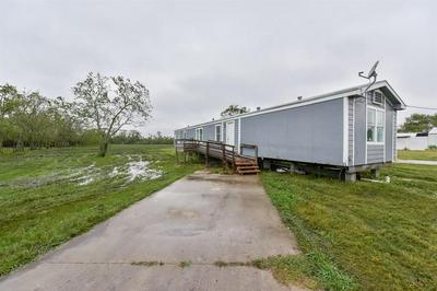 2814 VIRGINIA AVE, Dickinson, TX 77539 - Photo 1