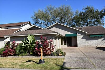 18 HARBOR LN, Kemah, TX 77565 - Photo 1