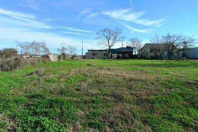 1306 TOWN PARK DR, Sealy, TX 77474 - Photo 2
