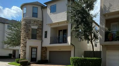 3102 PEMBERTON RDG, Houston, TX 77025 - Photo 2